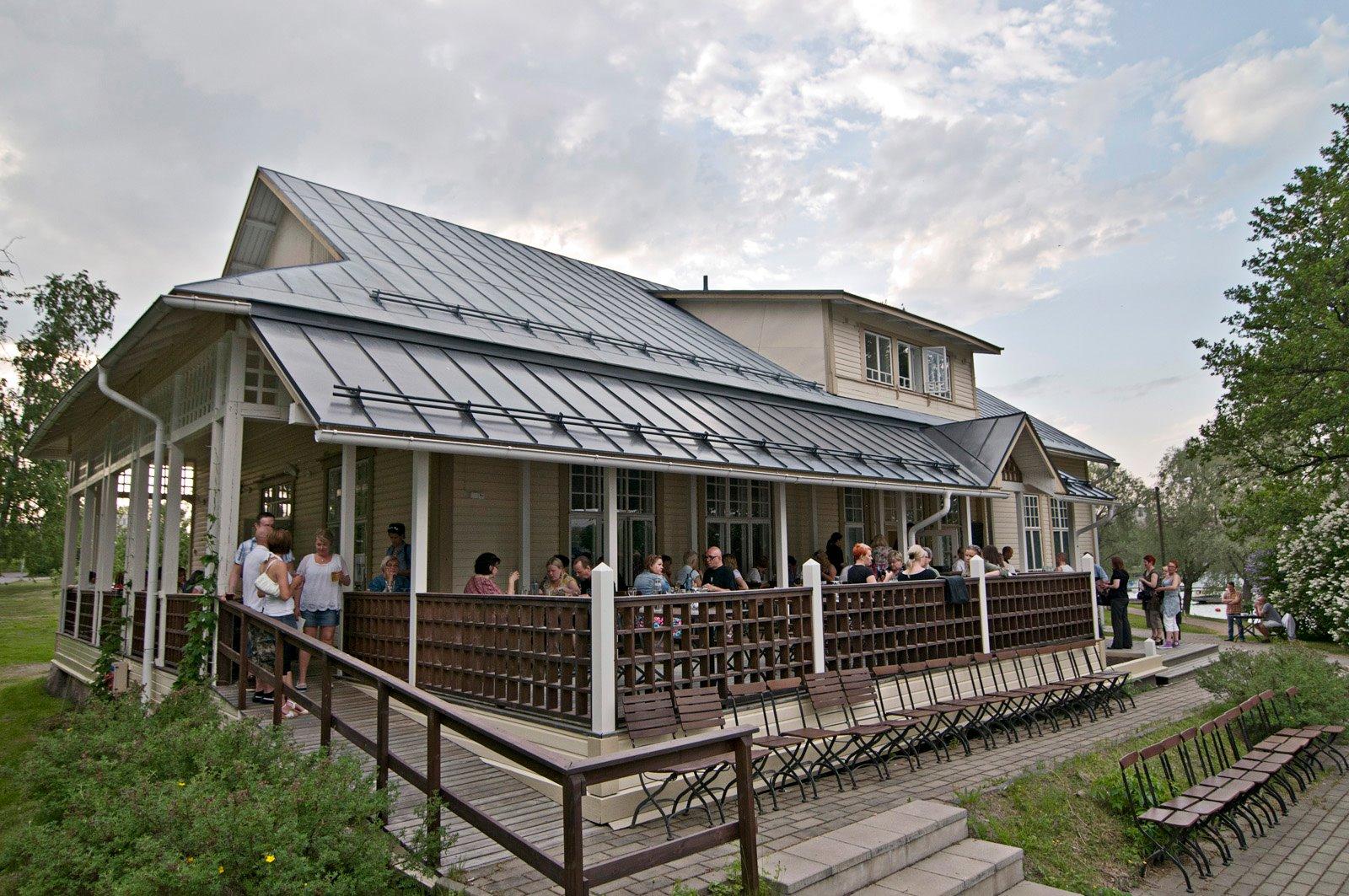 Brauerei Restaurant Huvila - regionale Küche und bestes Bier aus ...