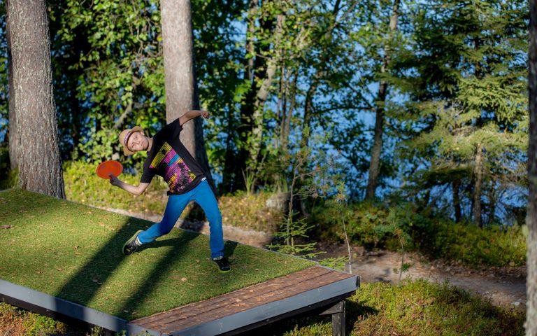 Finnland Discgolf inmitten von Wäldern und Seen