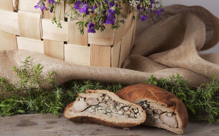 Savonische Köstlichkeiten – Fischpastete mit Roggenbrotkruste