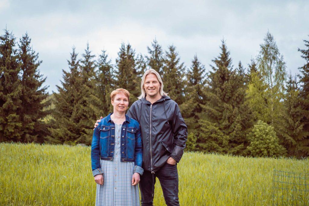 Virpi Rantalainen ja Sami Kuronen Hauhalan hanhifarmilla.