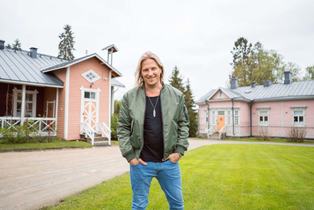 Sami Kuronen Tertin kartanossa.
